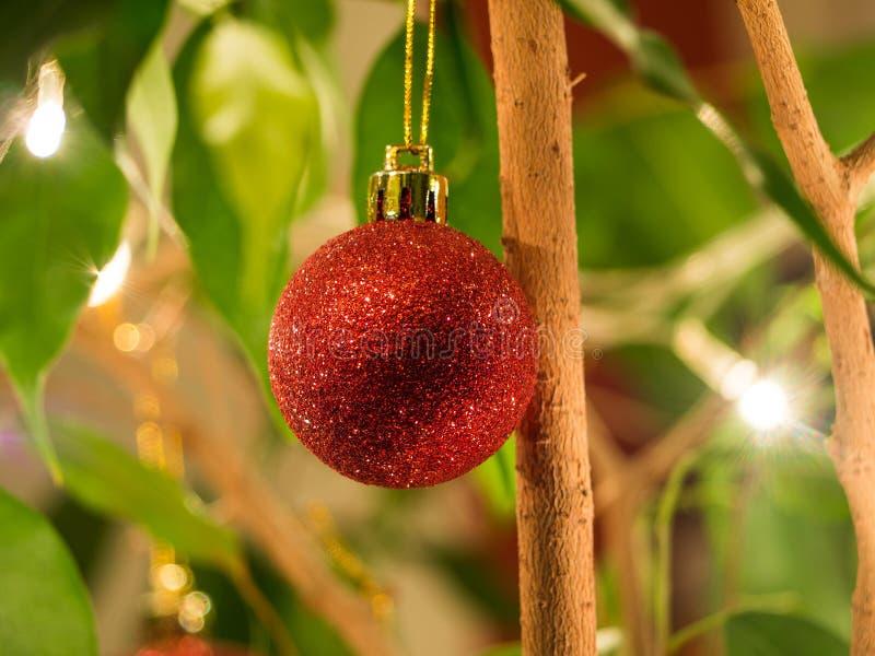 Bauble ornamenti di Natale rosso scintillante fotografia stock libera da diritti
