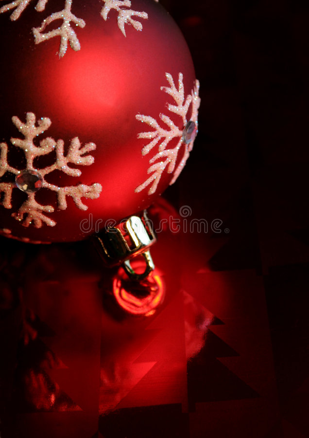 Download Bauble red στοκ εικόνα. εικόνα από παραμονή, closeup, διακοπές - 1541579