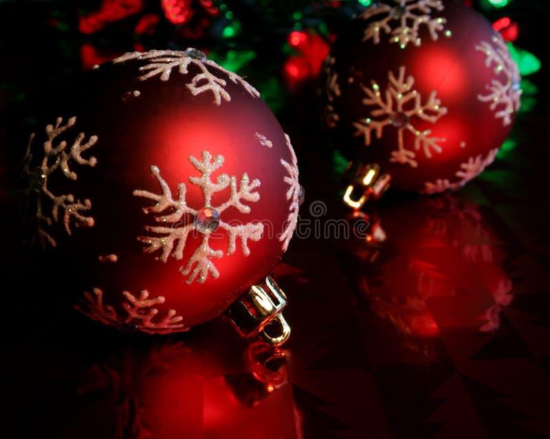 Download Baubles red snowflake two στοκ εικόνες. εικόνα από διακοπές - 1541508