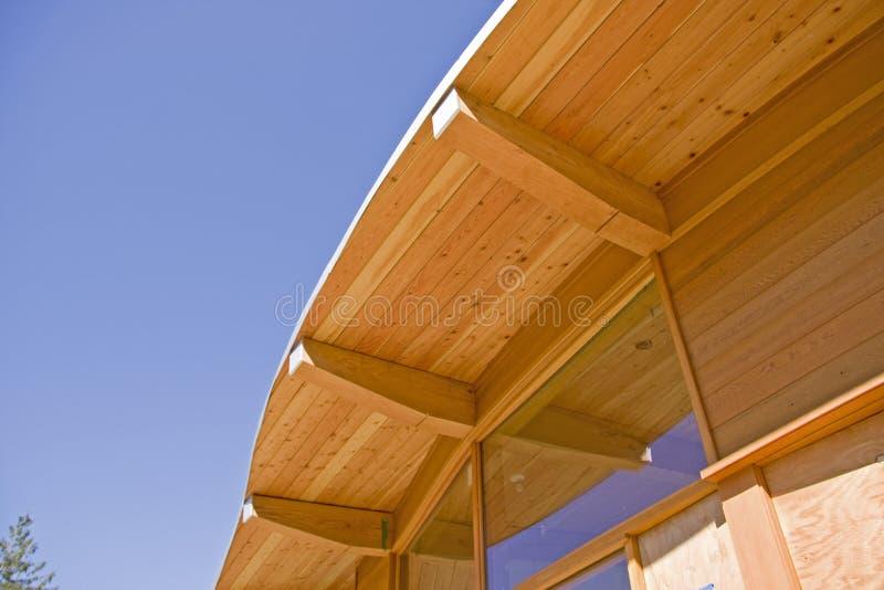 Bauholz-Feld-Dach-Aufbau lizenzfreie stockfotografie