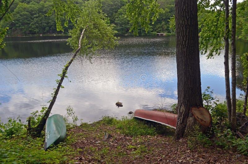 Bauholz schleppt See, Sherman, Connecticut lizenzfreie stockfotos