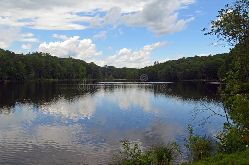 Bauholz schleppt See, Sherman, Connecticut stockfotos