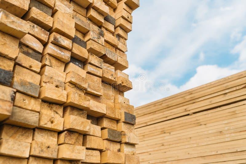 Bauholzmarkt lizenzfreie stockfotos