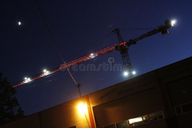 Baukran über dem Buidling in Portland, Oregon stockbild