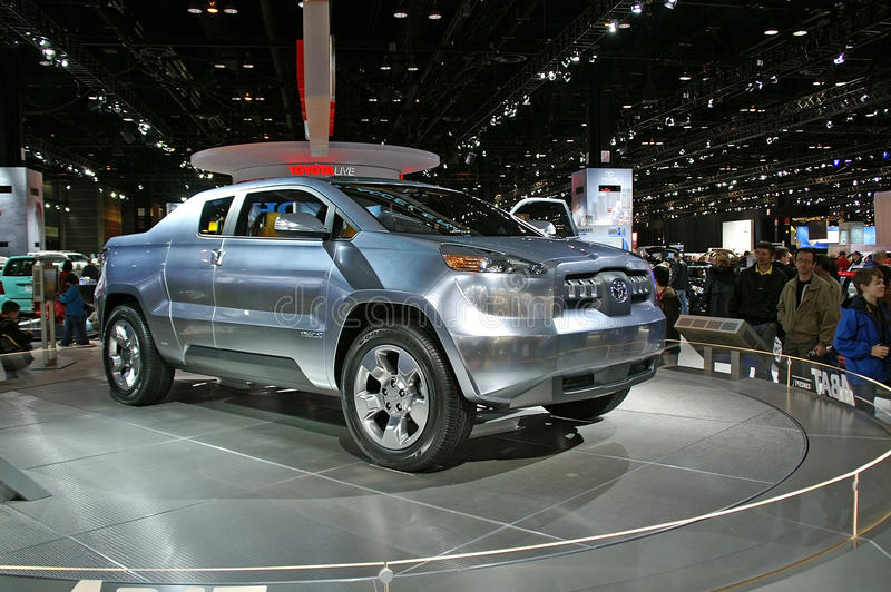 Baumuster des Toyota-Konzeptes SUV lizenzfreies stockbild