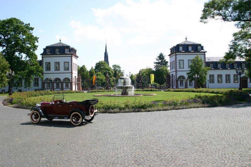 Download Baumuster T Vor Phillipsruhe Stockfoto - Bild von park, auto: 162810
