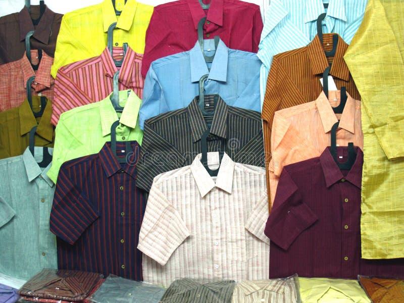 Baumwollhemden stockfotos