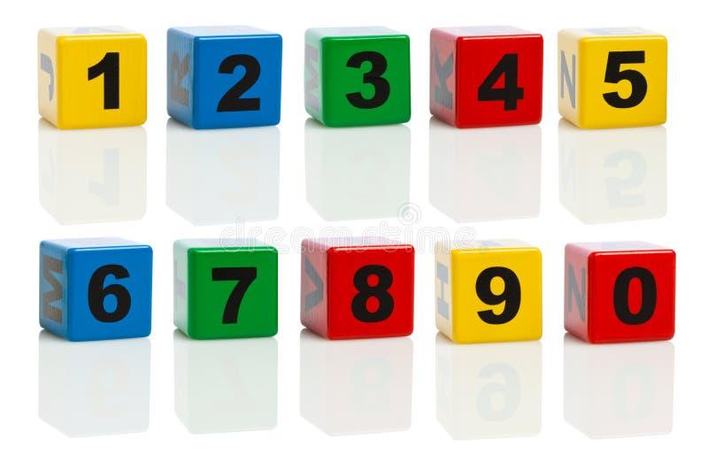 Bausteine mit Zahlen von 0 bis 10 lizenzfreie stockfotos