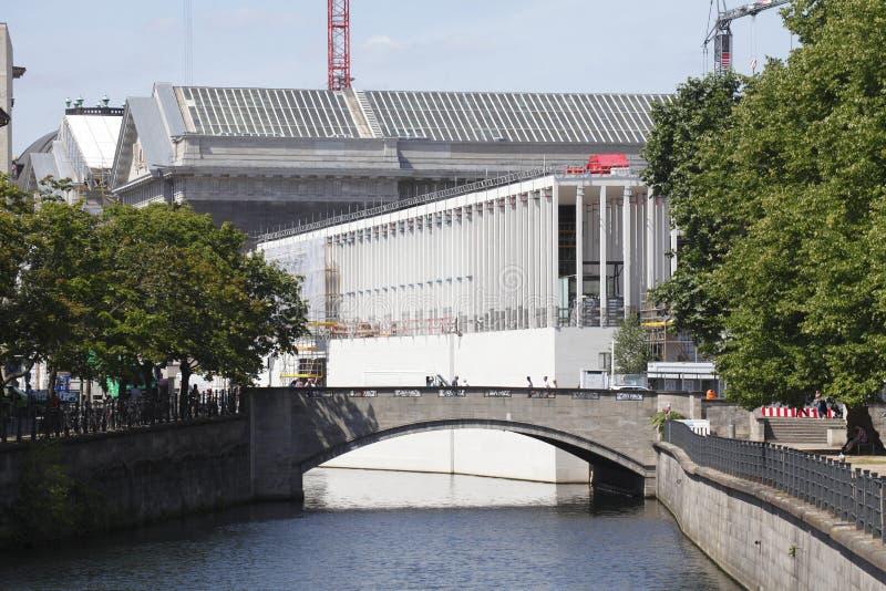 Download Baustelle Bei Museumsinsel In Berlin Stockbild - Bild von gebäude, baugerüst: 96930415