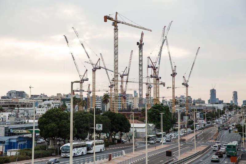 Baustelle des hohen Aufstiegsgebäudes in Petah Tikva israel lizenzfreie stockbilder