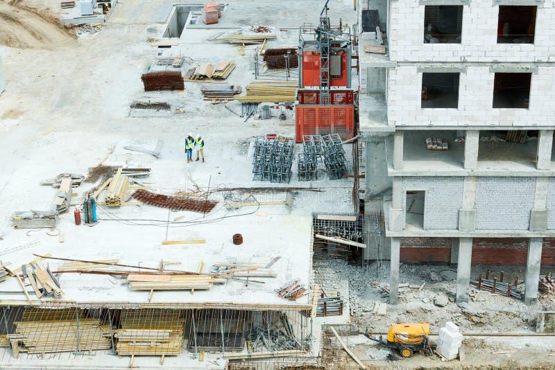 Baustelle und Ingenieure stockfotos
