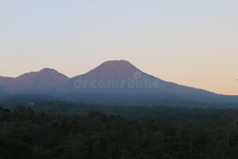 Bautiful山在印度尼西亚 免版税库存图片