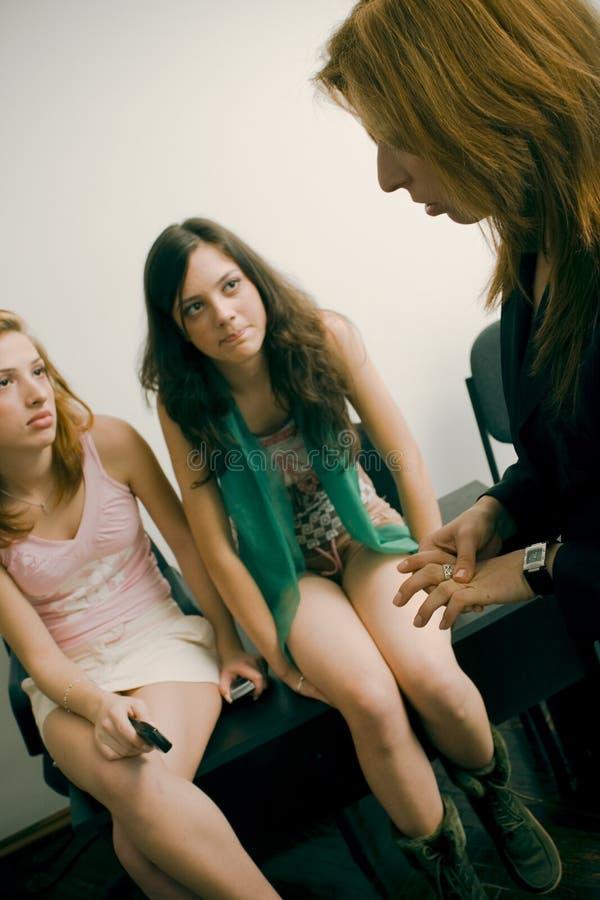 Bavardage de fille images libres de droits