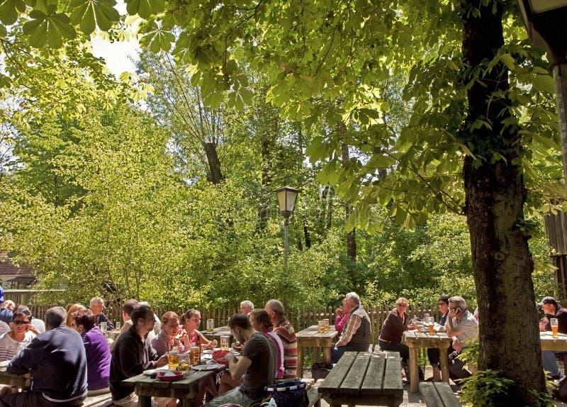 Bavaria, na wolnym powietrzu restauracja (biergarten) zdjęcia royalty free