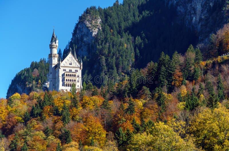 Baviera, Alemania - 15 de octubre de 2017: Castillo de Neuschwanstein y imágenes de archivo libres de regalías