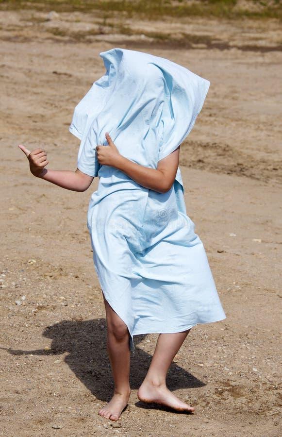 Bawić się z ręcznikiem zdjęcie stock