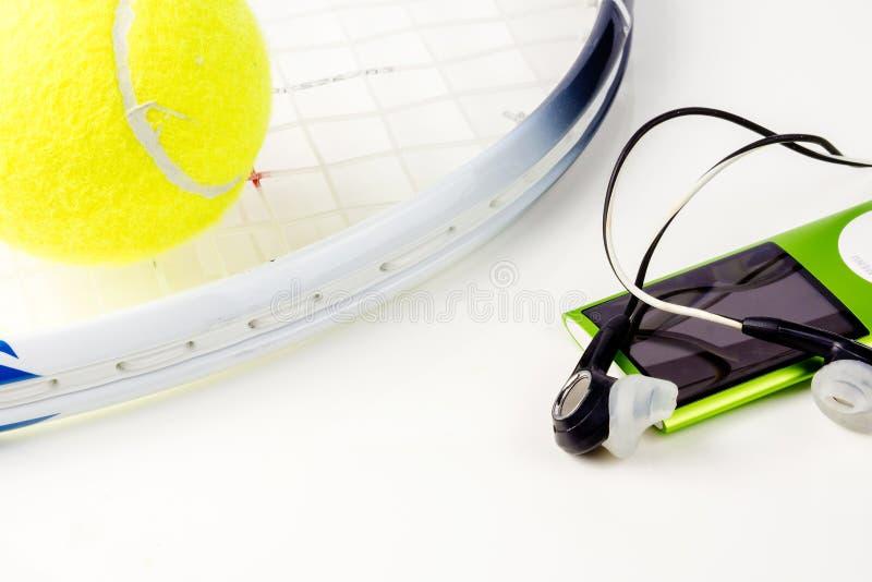 Bawi? si? tenisa, sport ?wiczy, czas wolny aktywno?? obraz royalty free