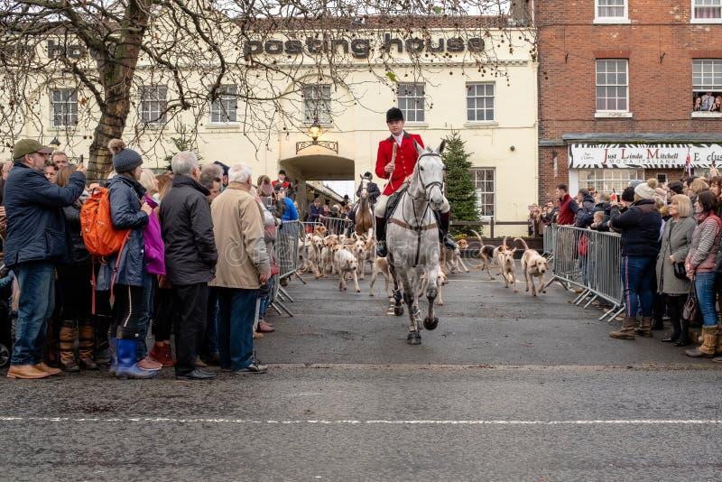 Bawtry, South Yorkshire, Reino Unido, dezembro, 25o, 2018: O começo da caça da São Estêvão, conduzindo fora de Bawtry imagens de stock royalty free