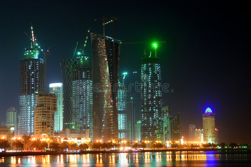 bay doha night qatar scene west στοκ φωτογραφία με δικαίωμα ελεύθερης χρήσης