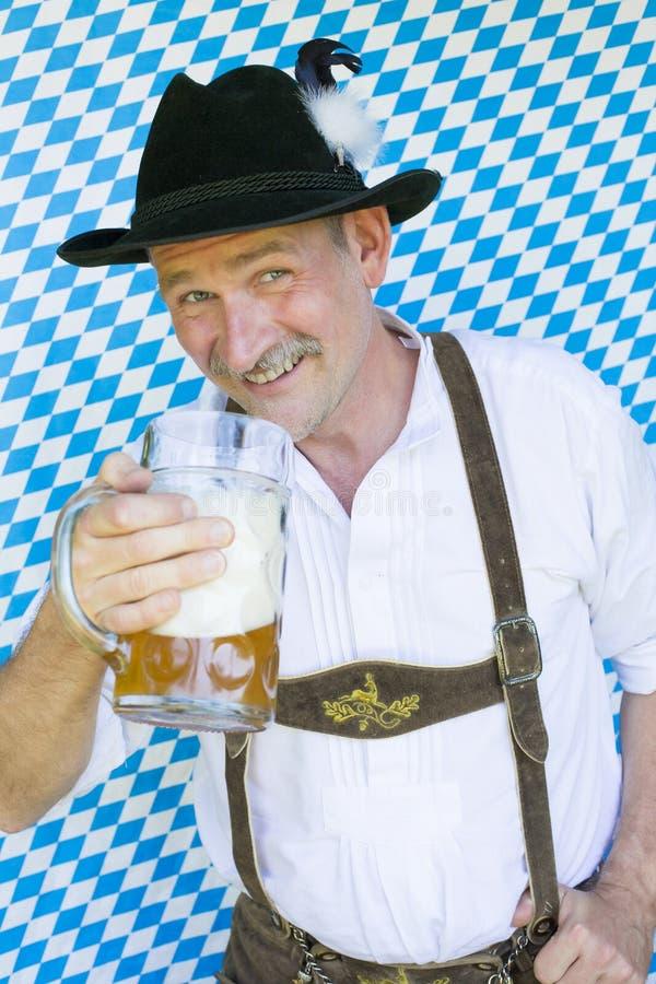 Bayerischer Mann lizenzfreie stockfotografie