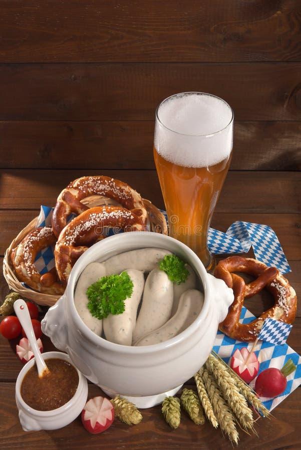Bayerisches Kalbfleisch-Wurst-Frühstück stockfoto