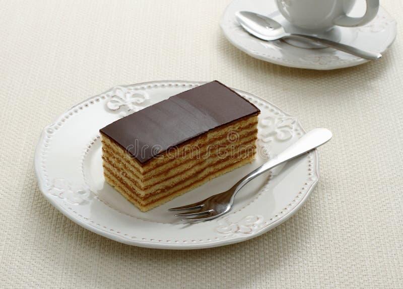 Bayernkuchen, Schichten des Kekses mit Schokolade lizenzfreie stockfotos