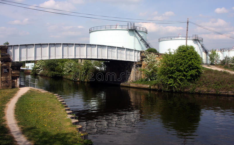 Download Bayford Thrust Leeds Storage Terminal Across Canal Stock Photo - Image: 22441644