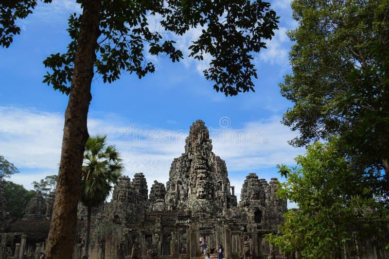 bayon cambodia n?ra riepsiemtempelet royaltyfri fotografi