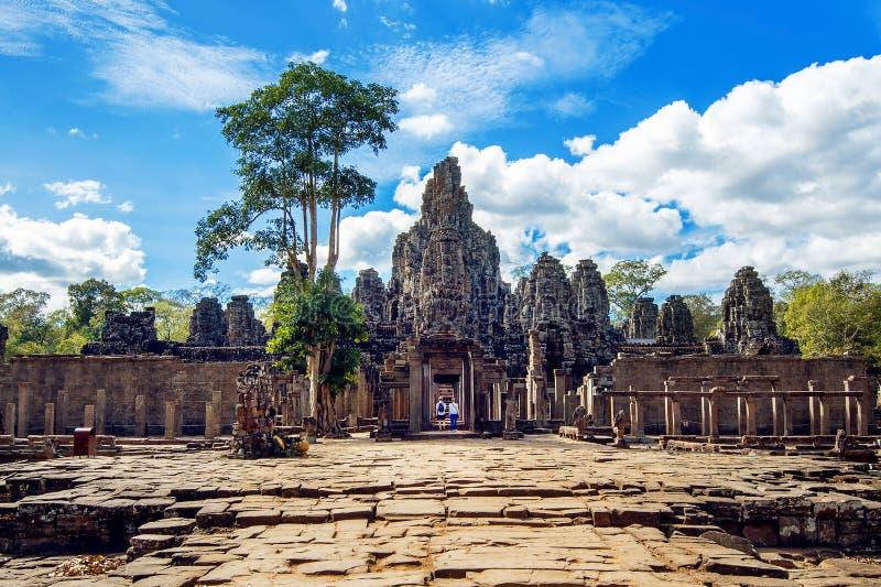 Bayon-Tempel mit riesigen Steingesichtern, Angkor Wat, Siem Reap stockbilder