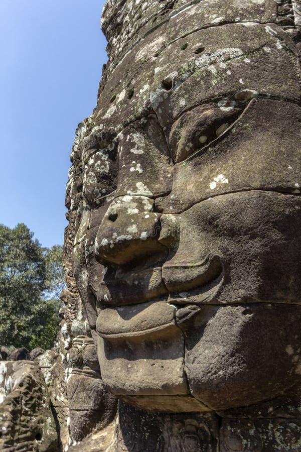 Bayon Templel som resas upp i séc XII på Angkor Thom, den sista huvudstaden av en khmervälden, Angkor cambodia skördar siem royaltyfri fotografi