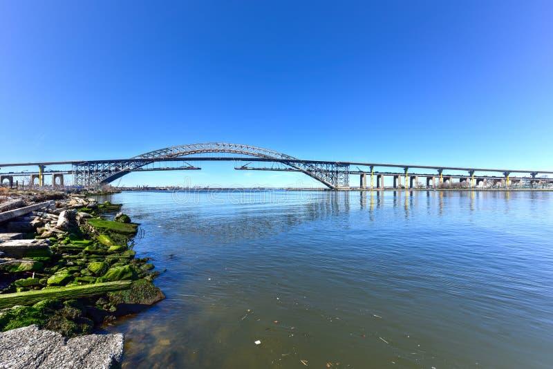 Bayonne bro arkivbild