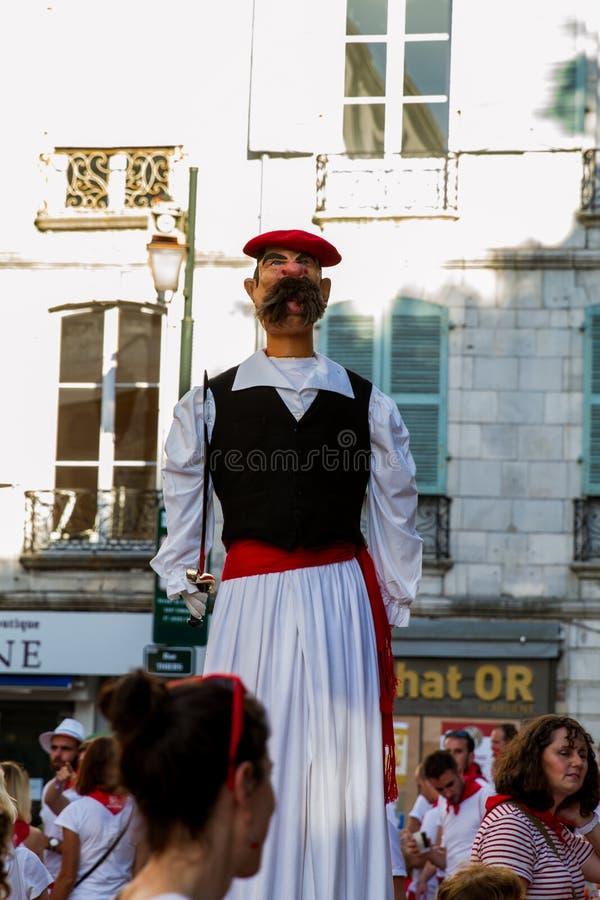 Bayonne-Festival - Papier-mâché stockfotos