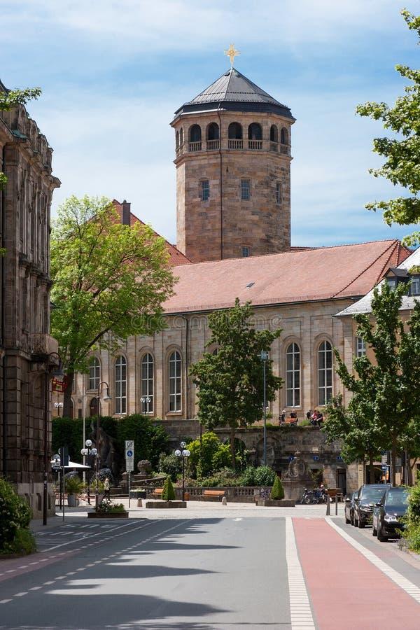 Bayreuth (Tyskland - Bayern), ortogonalt kyrkligt torn royaltyfri bild
