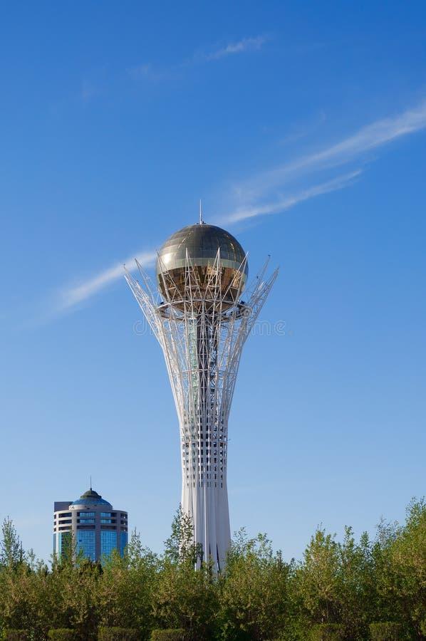 Bayterek è un monumento a Astana kazakhstan fotografia stock libera da diritti