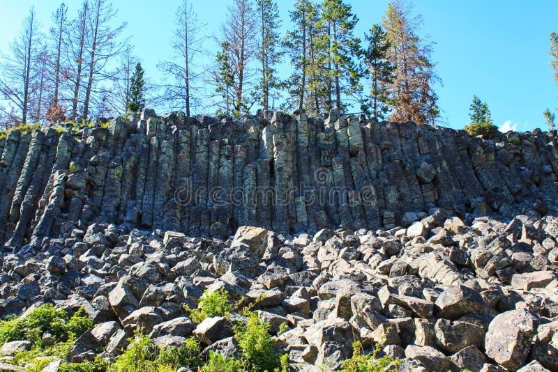 bazaltowy falezy iin Yellowstone park narodowy, usa obrazy stock