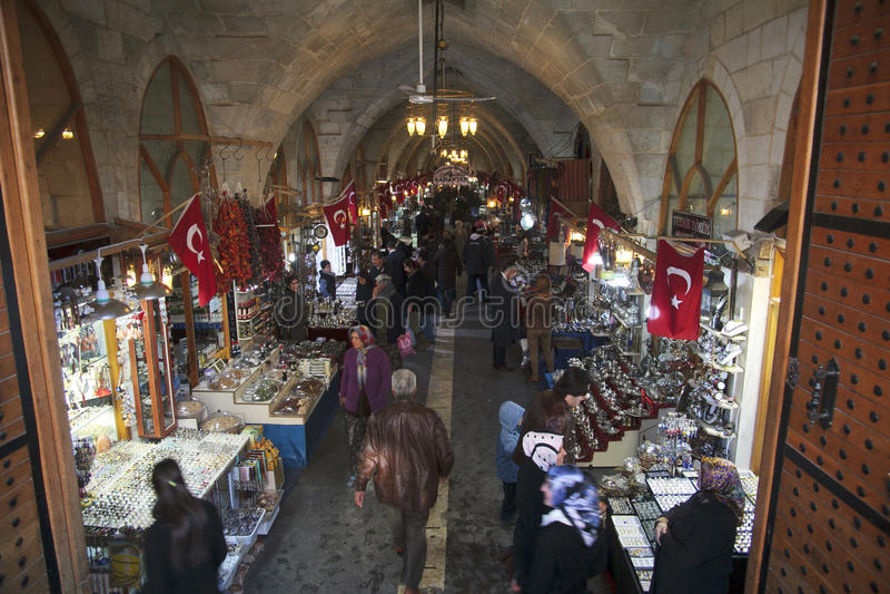 Bazar d'épices et d'ornement et en cuivre de décoration dans Gaziantep, photo libre de droits