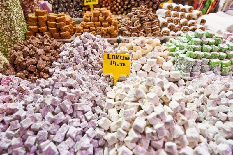 Bazar da especiaria em Istambul fotografia de stock royalty free