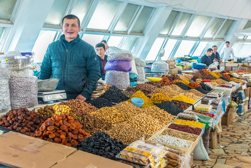 Bazar de Chorsu inTashkent, l'Ouzb?kistan photo libre de droits