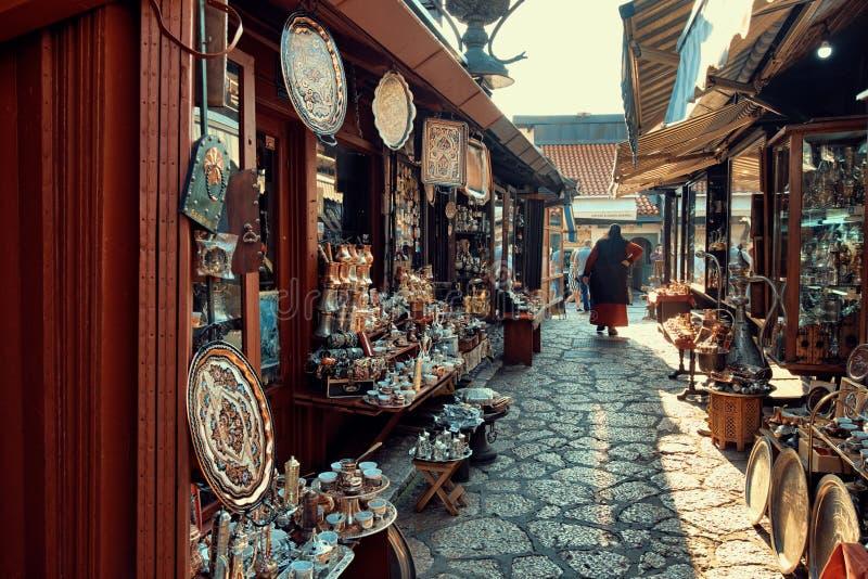 Bazar de rue à vieux Sarajevo, Bosnie-Herzégovine photographie stock libre de droits