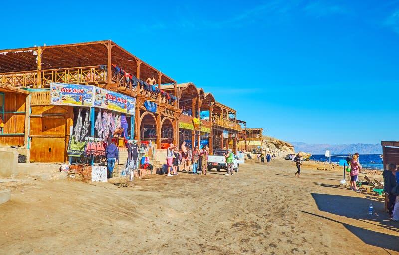 Bazar do turista no furo azul de Dahab, Sinai, Egito fotos de stock