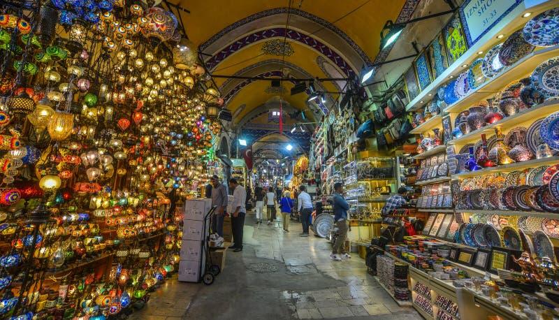 Bazar grande em Istambul, Turquia imagens de stock royalty free