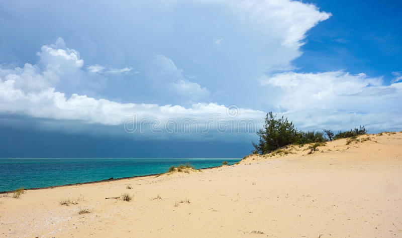 Bazaruto-Sanddünen und tropisches sto rmin Mosambik stockfotografie