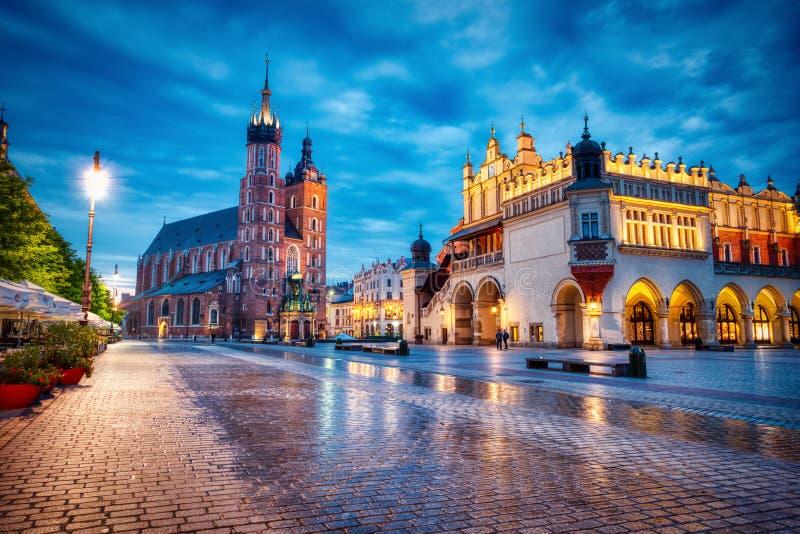 Bazylika św. Marii na Rynku Głównym w Krakowie w Dusku, Kraków zdjęcia stock
