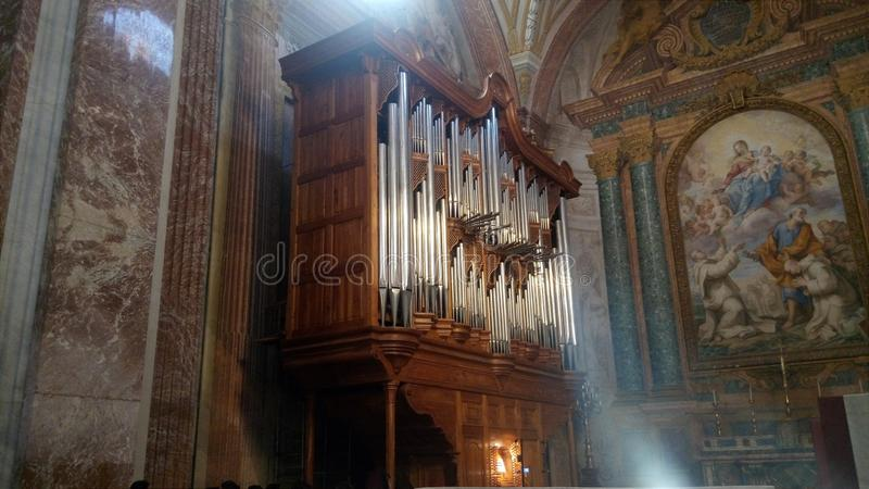 Bazylika St Mary i męczennicy aniołowie organ - Rzym, Włochy fotografia royalty free
