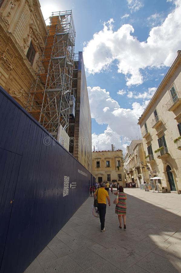 Bazyliki Di Santa Croce odświeżania pracy w Lecka, Włochy obraz royalty free