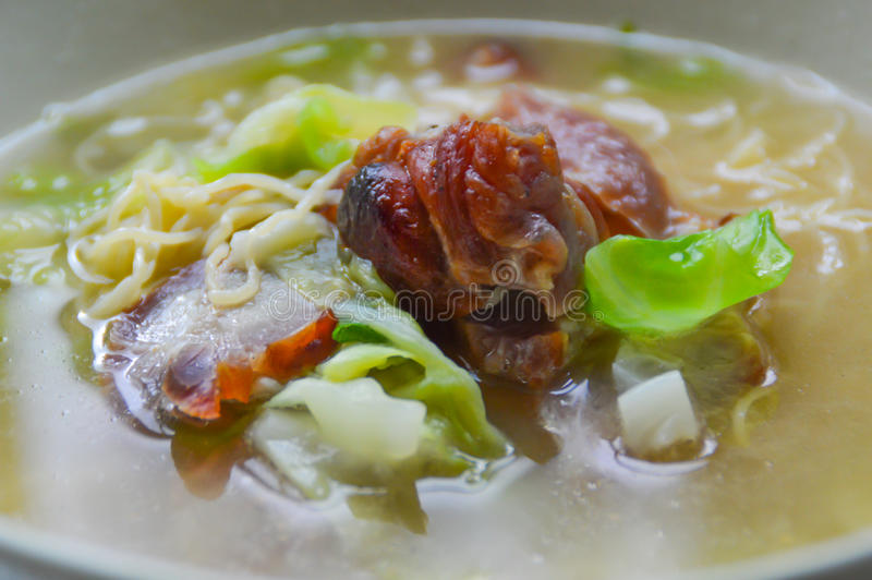 BBQ猪肉汤面条 免版税库存图片