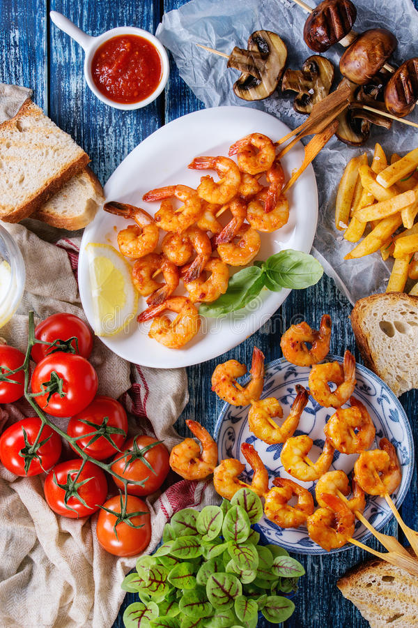 BBQ πικάντικη γαρίδα kebabs στοκ εικόνες