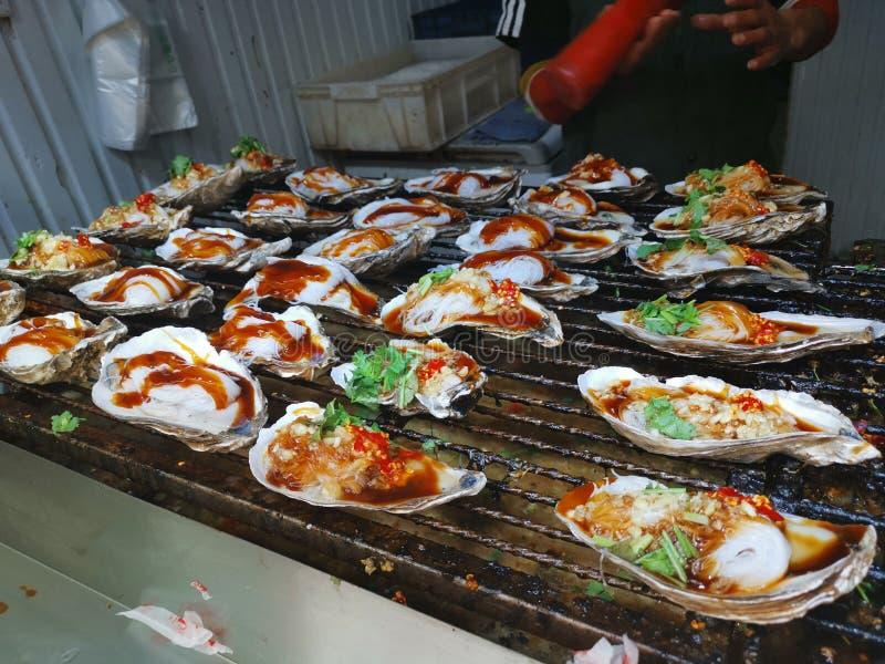 BBQ στρειδιών - οδός Furong τροφίμων οδών @, Jinan Shandong Κίνα στοκ φωτογραφίες