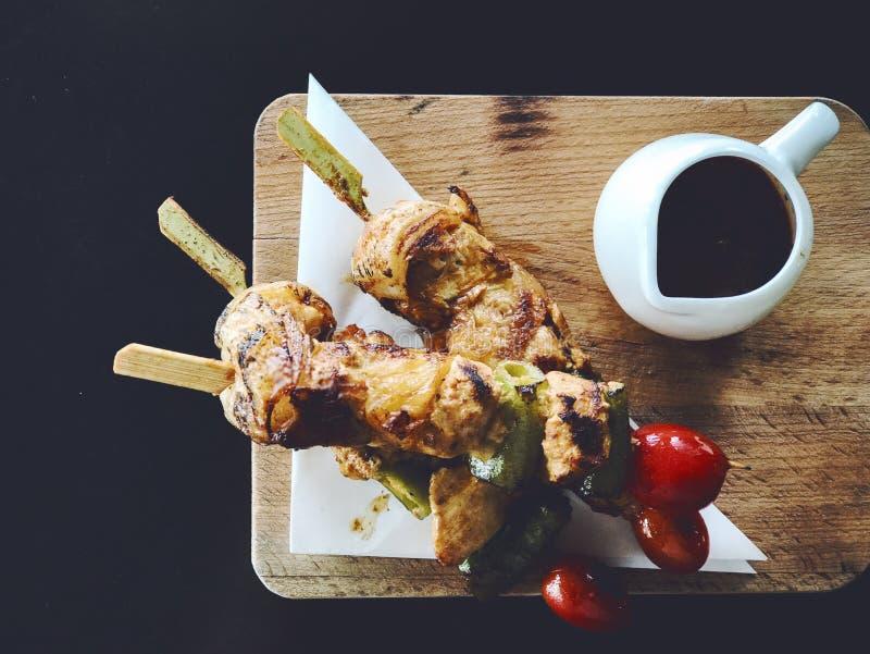 BBQ del pollo con salsa piccante fotografie stock