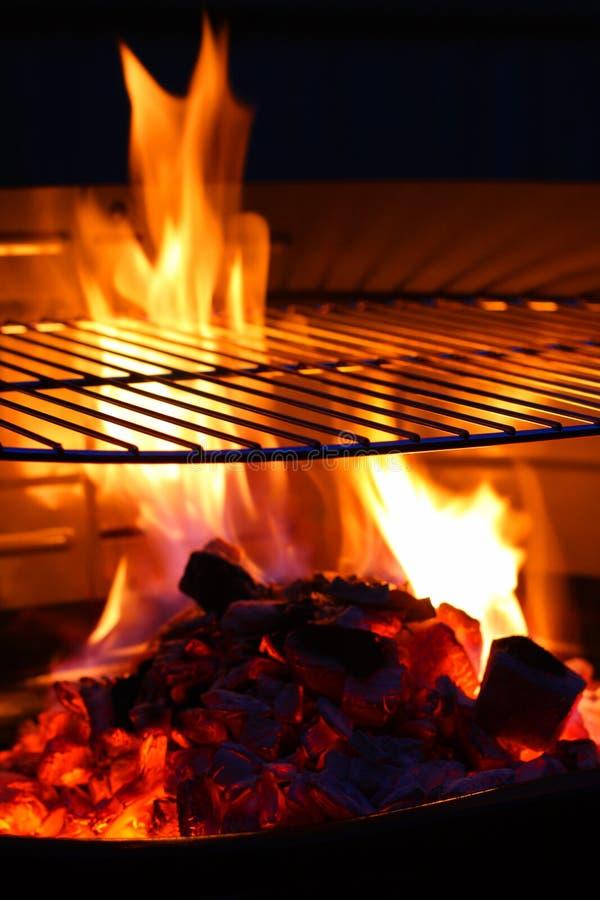 BBQ della fiamma della griglia del barbecue fotografia stock